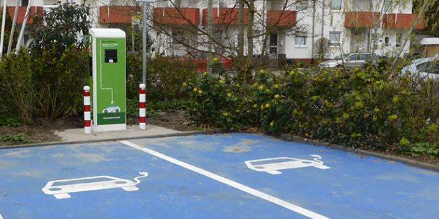 Die Pfalzwerke errichten im Rhein-Pfalz-Kreis Schritt für Schritt Ladestationen für E-Fahrzeuge.