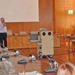 Helferschulung im Rathaus: OB Kissel begrüßt die Freiwilligen.