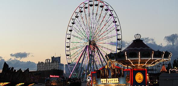 Das Riesenrad ist auch in diesem Jahr wieder eine der Attraktionen des Pfingstmarktes. Foto: Die Knipser / Jannik Reinecke