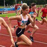 Elenas Stohner (l.) und Sina Kammerschmitt (2.v.l.) beim 100-Meter-Lauf.