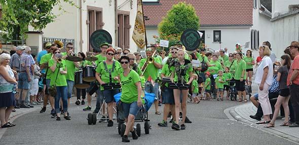 Der krönende Abschluss des 1400-jährigen Jubiläums bildete in Alsheim am Sonntag der große Festumzug. Foto: Gernot Kirch