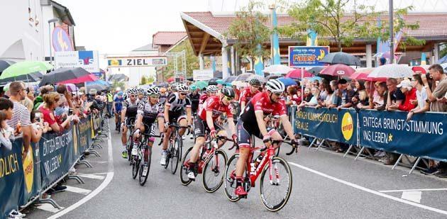 Bürstadt ist das erste Rennen nach der Tour de France, dass die Radprofis in Angriff nehmen. Foto: Jürgen Pfliegensdörfer/Sportsword