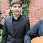 Mit Jan Jerlitschka (geb. 1998) und seinen Kollegen kommen junge und profunde Kenner dieser Musik in den Kreuzgang des Klosters.