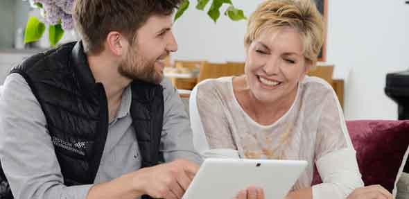 Hilfe bei der Einrichtung von Geräten sorgt für Techniklust statt Technikfrust.