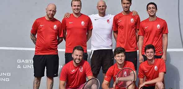 Von links stehend: Dirk Hoffmann, Frank de Haas, Fabian Wilhelmi, Lukas Gaedt, Julian Djabarian; kniend: Markus Lohmann, Maximilian Brandau, David Anthofer.