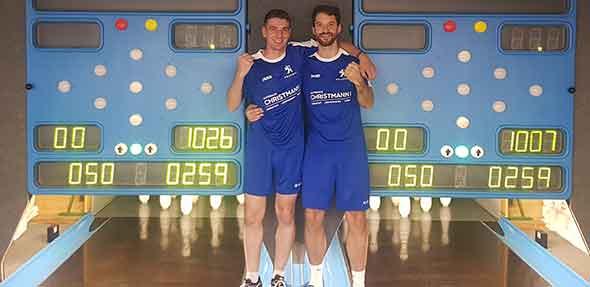 Haben gut Lachen - Daniel Krüger und Benny Völpel von der siegreichen 1. Herrenmannschaft des SKC Monsheim.