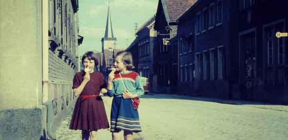 Eine solche Sammlung von Alltagsbildern der fünfziger und frühen sechziger Jahre ist auch bundesweit einzigartig.