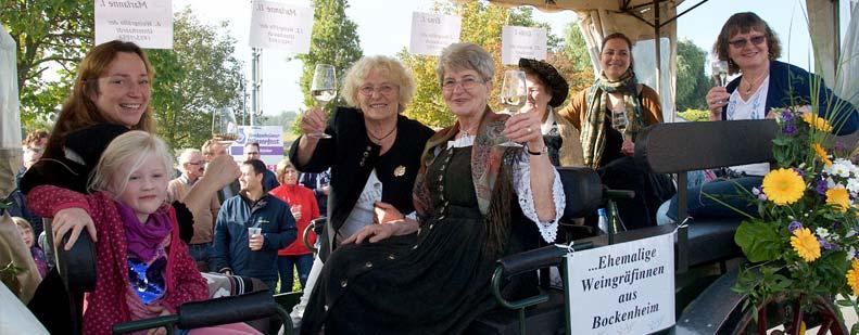 Beim großen Umzug gaben sich im vergangenen Jahr auch einige ehemalige Weingräfinnen des Leiningerlandes die Ehre. Archivfoto: Robert Lehr