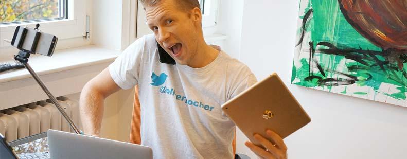 """Nach fünf Jahren Bühnenabstinenz ist Oliver Pocher wieder auf Tour und gibt im Mozartsaal als selbsternannte """"#Socialmediabitch"""" sein Bestes. Ob AfD, IS, Heidi Klum oder Helene Fischer – keiner ist vor Pocher sicher. Foto: Pocher-Entertainment"""