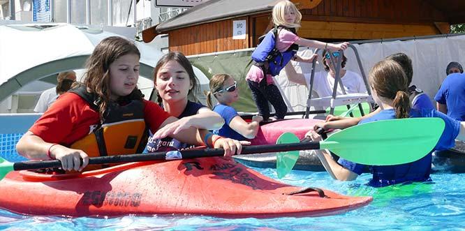 Beim Rheinland-Pfalz-Tag 2018 in Worms begeisterte die Sportmeile der Wormser Sportvereine auch mit Angeboten im oder auf dem Wasser. Foto: Klaus Diehl