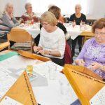 Der Zauberharfen-Spielkreis der Lucie-Kölsch-Musikschule bereicherte die Adventsfeier in der städtischen Seniorenbegegnungsstätte im Adenauerring mit weihnachtlichen Klängen.
