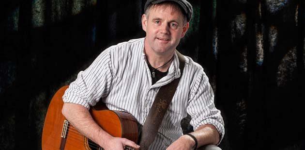Reiner Roßkopf, Jahrgang '66, im südhessischen Münster bei Dieburg geboren, aufgewachsen und immer noch dort zu Hause.