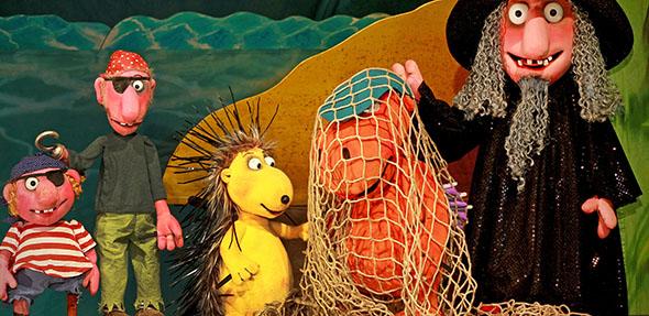Der kleine Drache Kokosnuss erlebt mit seinen Freunden große Abenteuer.