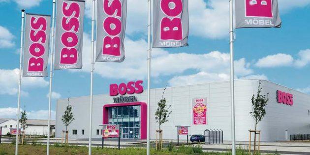 Der 100. Markt: In neuen und modernen Filialen bietet SB-Möbel BOSS in ganz Deutschland unschlagbar günstige Möbel an. Foto: Möbel BOSS