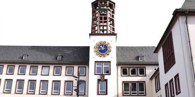 In einer von der SPD initiierten und von CDU sowie FDP unterstützten Resolution pochen die drei Wormser Parteien auf die Unabhängigkeit der Lutherstadt. Foto: Leonie Ahlert