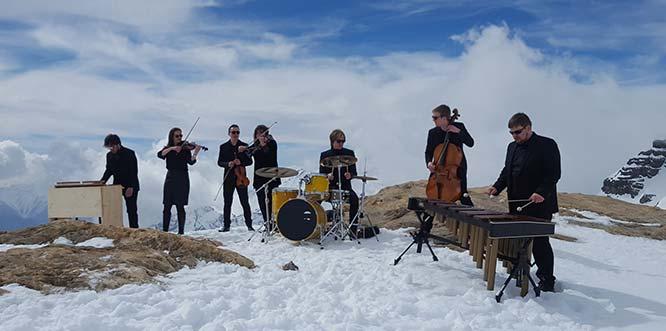 Aus der Schweiz besucht das Monstein Ensemble das Gut Leben am Morstein, um dort Ende April aufzuspielen.