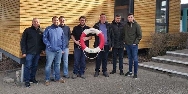 Die FWG Gimbsheim informierte sich beim Schwimmverein Freibad Gimbsheim über dessen Tätigkeiten.