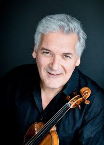 Ausnahmetalent Pinchas Zukermann begeistert Geiger und Musikliebhaber seit Jahren, nun kommt er in großer Begleitung nach Worms. Foto: Cheryl Mazak