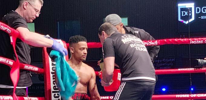 Durch den Sieg eröffnet sich dem Wormser Boxtalent Antonio Hoffmann die Möglichkeit, bereits im Juni wieder in Hamburg in den Ring zu steigen und in einem ersten Titelkampf der WBA weiter zu punkten.