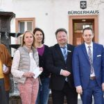 Julia Jung (kath. Kita St. Raffael), Dr. Hartmann-Manfred Schärf, Yvonne Deibert (städt. Kita Kleines Meer), Doris Franke (Trägerverein Betreuende Grundschule Horchheim-Weinsheim), Wolfgang Brodhäcker und Jan Frankenstein (beide Volksbank Alzey-Worms), Solveig Häfner (ev. Regenbogenkindergarten) sowie Ortsvorsteher Volker Janson (von links).
