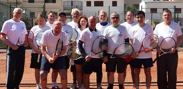 Die Teilnehmer des Tennis-Camp auf Mallorca.