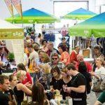 Beim Wormser Genussmarkt können sich die Besucher auf regionale Köstlichkeiten freuen. Foto: Bernward Bertram
