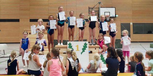 Aus insgesamt 103 Kindern und Jugendliche wurden die Sieger in den 13 unterschiedlichen Altersklassen ermittelt.