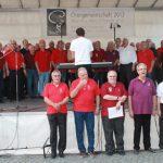 Bunt gemischt – ein großer Chor sang zum Abschluss am Samstag.