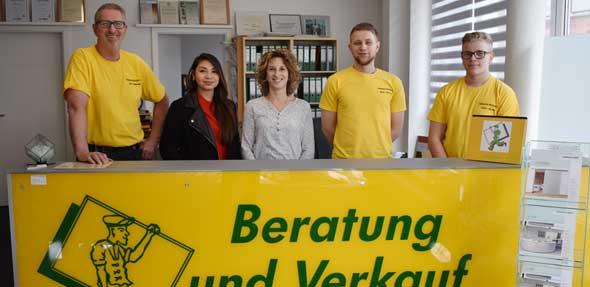 Das Team der Glaserei Wollentin: Die Ansprechpartner für Fragen rund um Glas und Spiegel. Foto: Florian Helfert