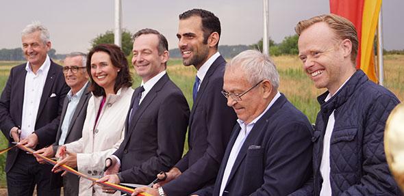 Bei der Eröffnung des Fahrradweges zwischen Eich und der B9 waren bedeutende Gesichter der Politik aus der Wormser Umgebung zu sehen.