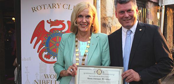 Die neue Präsidentin Brigitte Ahrens-Frieß des Rotary Club Worms-Nibelungen möchte in ihren zukünftigen Projekten Beruf und Rotary vereinbaren.