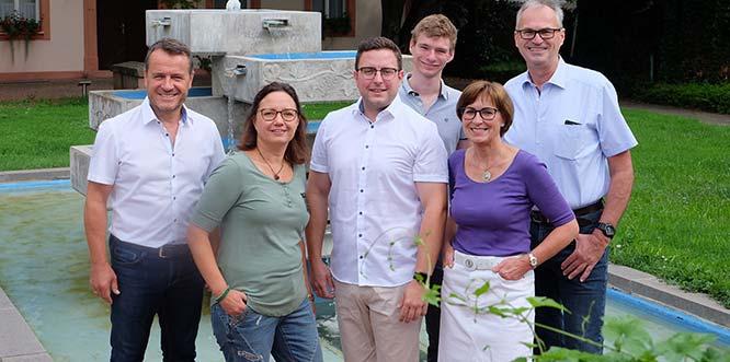 Von links: Jens Guth, Kareen Kokert, Ortsvorsteher Jens Thill, Jonas Deichelmann, Heidi Lammeyer sowie Peter Dämgen bilden die neue SPD-Fraktion in Pfeddersheim.