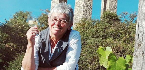 """Neil Stock ist die Gruppenführerin der Wanderung """"Wandern wo der Herrgott zuhause ist"""" im Zellertal."""