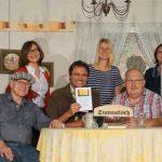 Die Seebachkömidianten und Autor Markus Lendl (4 von links), blicken auf ein erfolgreiches Theaterstück zurück.