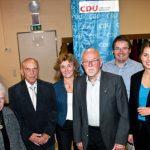 Treue ist Trumpf: Die Ehrung langjähriger Parteimitglieder stand im Mittelpunkt der jüngsten Veranstaltung der CDU Horchheim/Weinsheim. Ehrengast war MdL Stephanie Lohr (rechts), die gemeinsam mit Monika Stellmann (5. von links), Peter Karlin (2.von rechts) und Krimhilde Reichl (links) die Ehrungen vornahm.