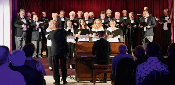 Beim Konzertabend des Wormser Liederkranzes ging es auf eine musikalische Weltreise.