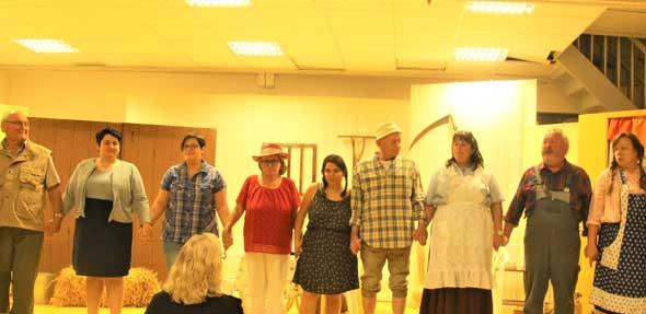 """Das Theaterstück """"Tante Trude aus Buxtehude"""" der IG Theater Flörsheim-Dalsheim kam bei dem Publikum gut an. Foto: DK Photografie"""