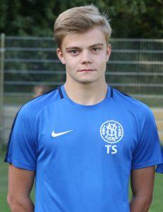 Thorben Schwarz spielt 2019/2020 im ersten Jahrgang der A-Junioren des SV Horchheim in der Verbandsliga. Der 17-jährige technisch versierte und beidfüßige Fußballer bevorzugt die Position im rechten Mittelfeld mit Zug zum Tor.  Foto: Felix Diehl