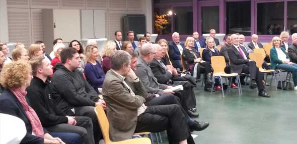 Rund 50 Gäste nahmen bei der Geburtstagsfeier teil und lauschten dem Vortrag von Prof. Dr. Jatzko.