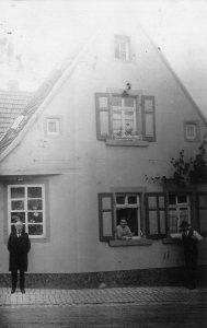 Das Haus in der Alzeyer Str. 23 um 1900.