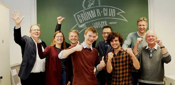 Große Freude beim 4. Gründerteam und den Unterstützern der Hochschule Worms. Hochmotiviert geht es in das neue Jahr!