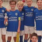 Die E1 Juniorenmannschaft des SV Horchheim freut sich über den Sieg.