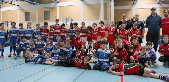 Die Jugend-Teams der U8, U10 und U12 hatten zusammen mit ihren Trainern des Rugby Club Worms beim ganztägigen SAS-Turnier im BIZ jede Menge Spaß am aufstrebenden Mannschaftssport Rugby. Foto: Marcus Diehl