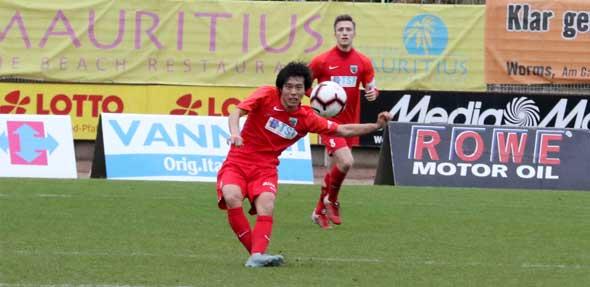 Quirliger Linksfuß mit viel Vorwärtsdrang: Der Japaner Kazuki Kamikawa ist der dritte und letzte Winterzugang beim Fußball-Oberligisten VfR Wormatia Worms.