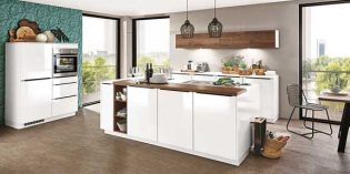 Klare Formen und warme Holzoptik: Klare und kubistische Formen harmonieren besonders stark mit warmen Holztönen. Foto: SB-Möbel BOSS