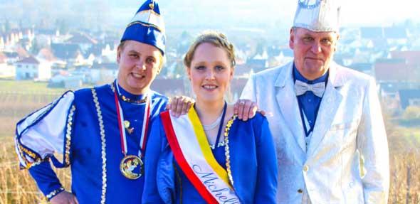 Prinz Sebastian I., Prinzessin Michelle I. und Sekretär Willi freuen sich auf schöne Stunden beim Abenheimer Fastnachtsumzug.
