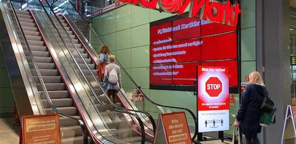 Bei Media Markt sollen künftig digitale Einlassampeln den Kundenzugang steuern. Foto: Media Markt