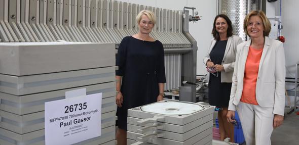 Von links: Julia Schnitzler, Kathrin Anklam-Trapp und Malu Dreyer. Foto: Strassburger Filter/Alexander Sell