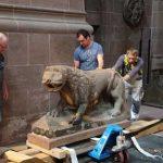 Der Wormser Dom-Löwe begibt sich auf die Reise nach Mainz. Foto: Domgemeinde Worms