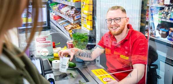 Drachenstark und kinderleicht: Zusammen mit seinen Kunden setzt sich Netto Marken-Discount gegen Kinderarmut ein. Foto: Netto Marken-Discount
